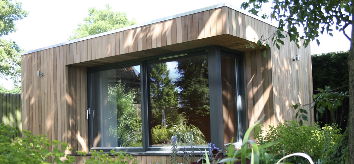 Garden rooms garden offices studios by roomworks for Garden office buildings